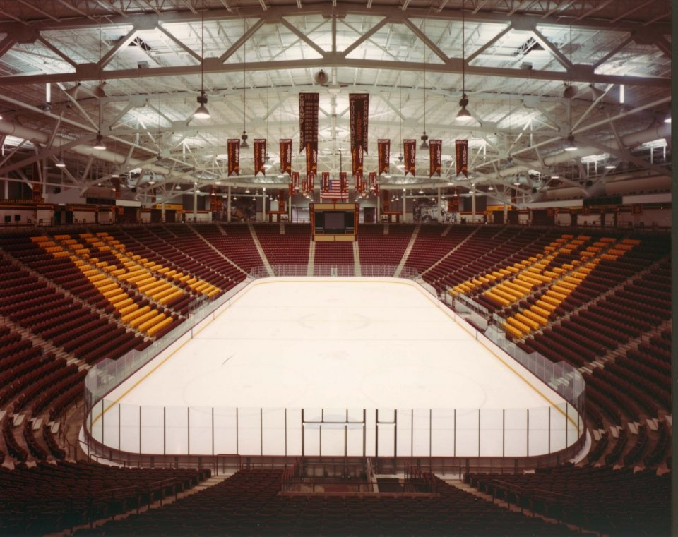 Mariucci Hockey Arena – U of MN
